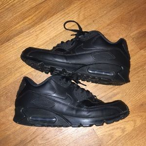 Black Air Max 90s